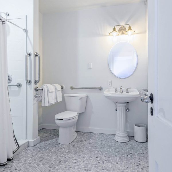 Winesap-Bathroom1a
